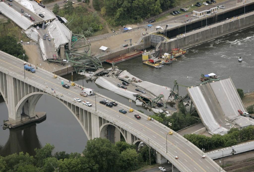 I-35EW bridge collapse Minneapolis 2007