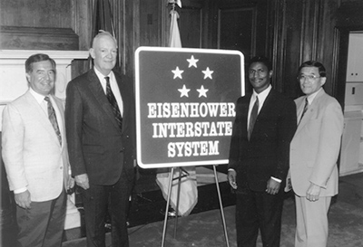 Eisenhower_Interstate_System_sign