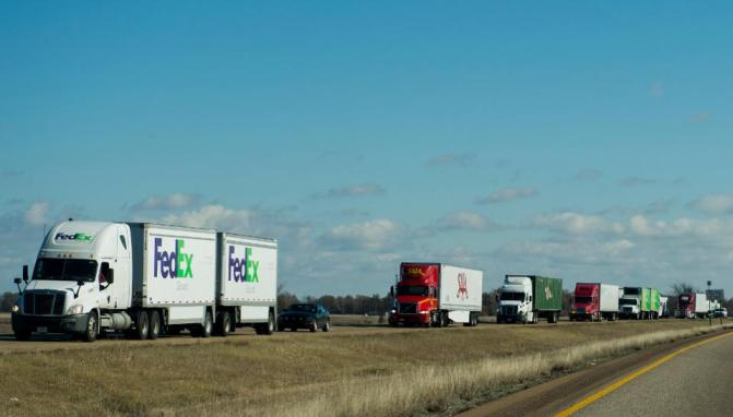 Trucks on I-40